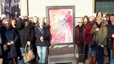 Gruppenbild der Teilnehmer*innen der Ausflugsfahrt des Bezirksfrauenrates nach Frankfurt